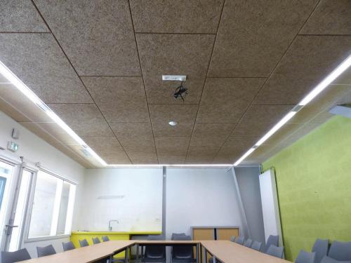 Isolation acoustique du plafond en dalles de laine de bois - Maison de Solidarité de Lorient