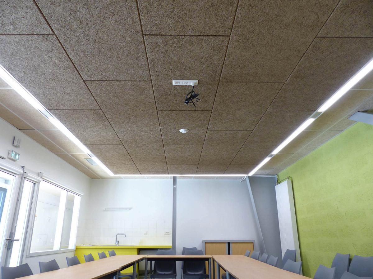 plafond suspendu bois trendy finest duun faux plafond with caisson plafond suspendu with. Black Bedroom Furniture Sets. Home Design Ideas